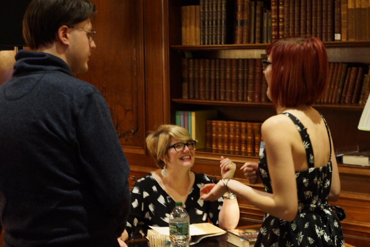 Libba Bray chats and laughs with fans of her books.